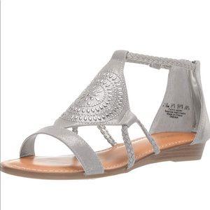 10 Carlos Santana TABINA Metalic Silver Sandals